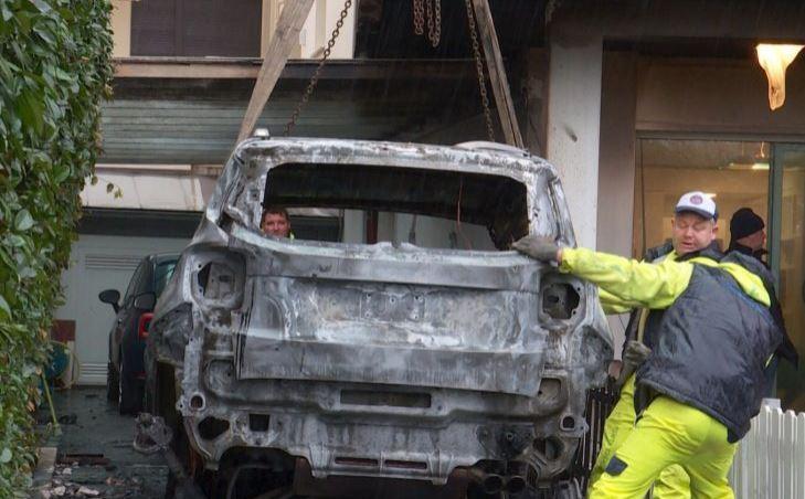 Las autoridades investigan los acontecimientos donde solo se cuentan daños materiales. (Foto Prensa Libre: Sky Sports)