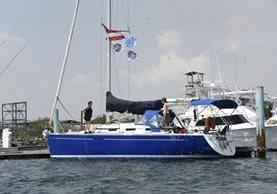 El velero de la oenegé women on waves fue expulsado de Guatemala durante el fin de semana. (Foto Prensa Libre: AFP)