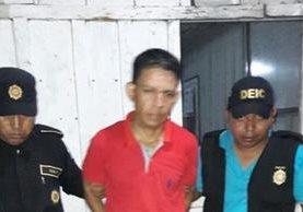 Linber Ariel Palacios Bunquer al momento de la captura. (Foto Prensa Libre: PNC)