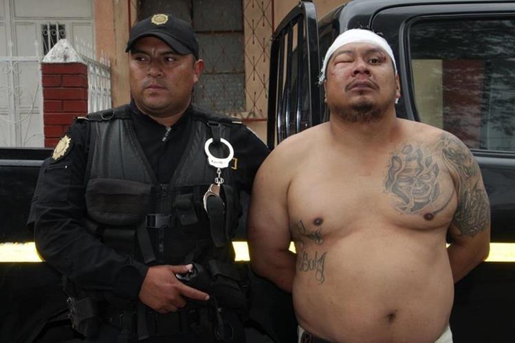 Las fuerzas de seguridad detuvieron en flagrancia a José Armado Diéguez Borrayo. (Foto Prensa Libre: PNC)