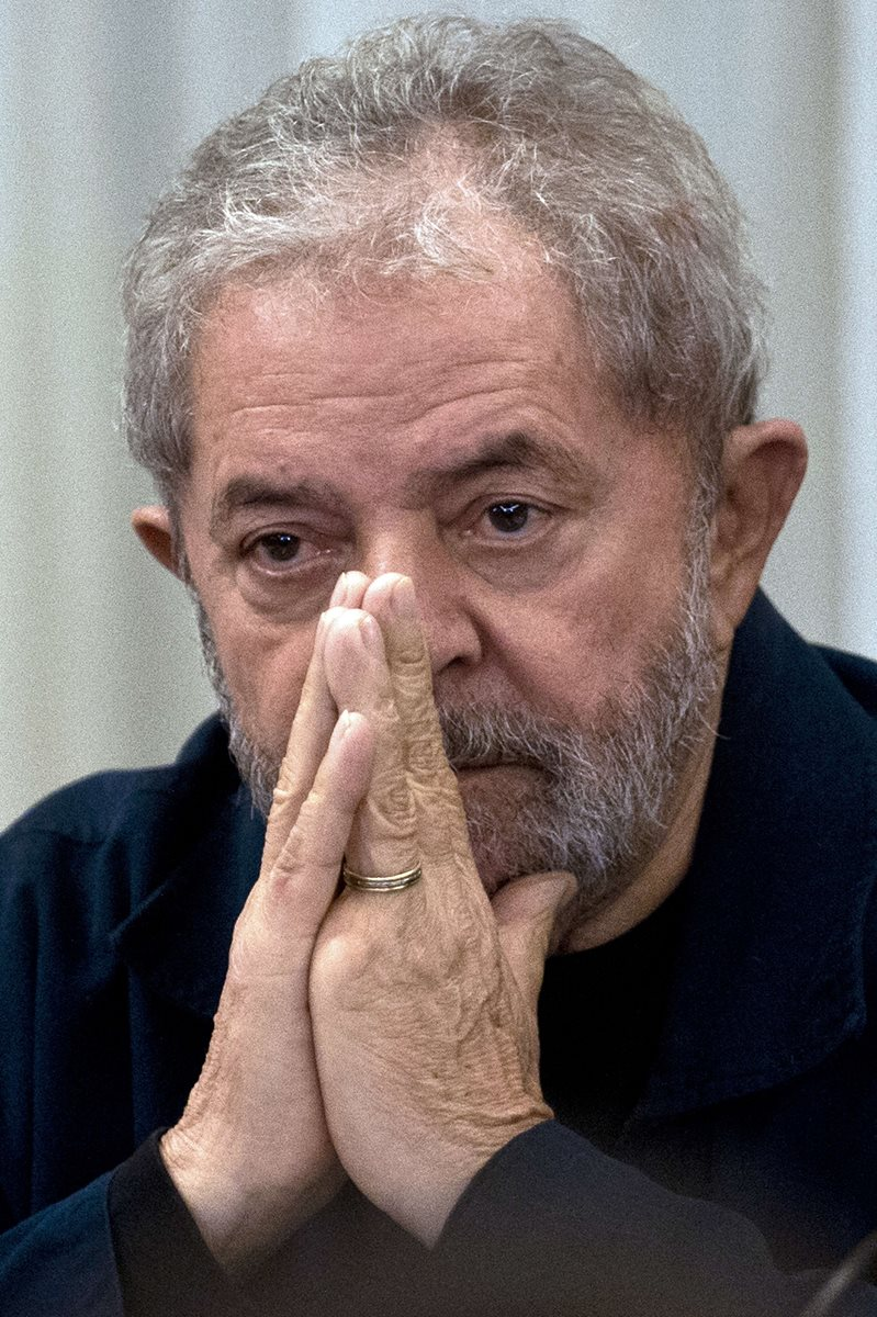 El expresidente brasileño durante una reunión con el Partido de los Trabajadores en marzo del 2015. (Foto Prensa Libre: AFP).
