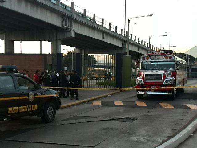 Dos ataques armados ocurridos en Amatitlán y Villa Nueva acabaron con la vida de dos personas. (Foto Prensa Libre: Estuardo Paredes)
