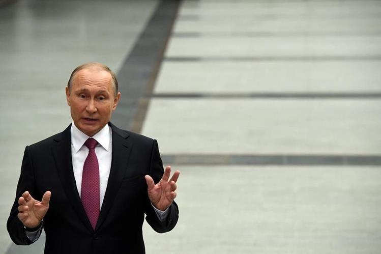 Vladimir Putin inaugurará la Copa Confederaciones 2017, que inicia este sábado en San Petersburgo. (Foto Prensa Libre: AFP).