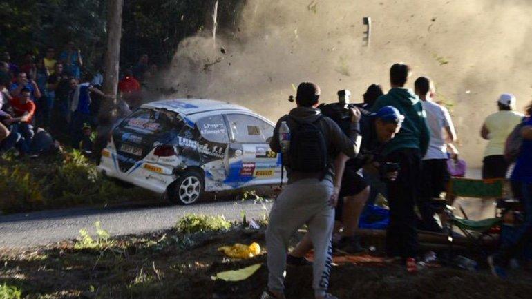 Así fue el momento trágico que cobró varias vidas en el Rally de La Coruña. (Foto Prensa Libre: Redes Sociales)