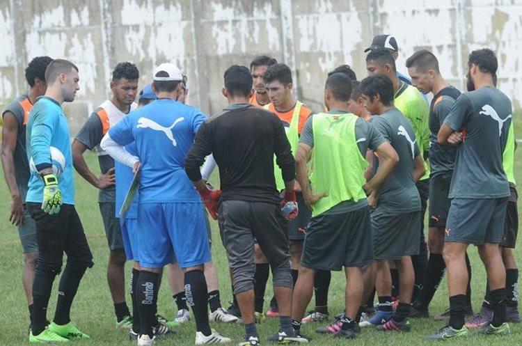 Comunicaciones se entrenó durante la semana pensando en el partido del domingo contra a Antigua GFC. (Foto Prensa Libre: Edwin Fajardo).