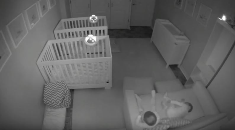 La fiesta que armaron estos gemelos de dos años — Video viral