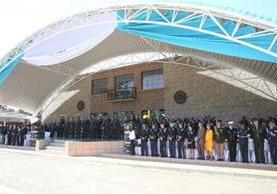 La cúpula del ejército en el nuevo palco Otto Fernando Pérez Molina, durante los actos de aniversario de la Brigada Mariscal Zavala. (Foto Prensa Libre: Esbin García)