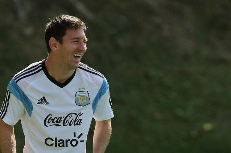 El astro argentino Lionel Messi no estará en los Juegos Olímpicos con su selección, aseguró su entrenador, Gerardo Martino. (Foto Prensa Libre: Hemeroteca PL).