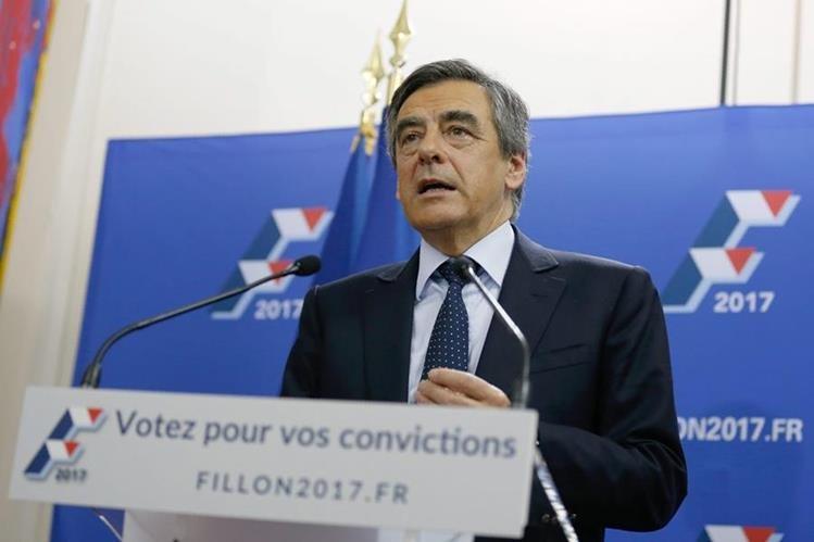 el ex primer ministro francés Francois Fillon gana elecciones primarias de la derecha. (Foto Prensa Libre: AFP)