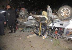 El accidente ocurrió en el km 165 de la ruta de San Pablo La Laguna a Santa Clara La Laguna, Sololá. (Foto Prensa Libre: Ángel Julajuj)