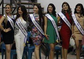 Algunas de las bellezas que representarán a su departamento en Quetzaltenango. (Foto Prensa Libre: Paulo Raquec).