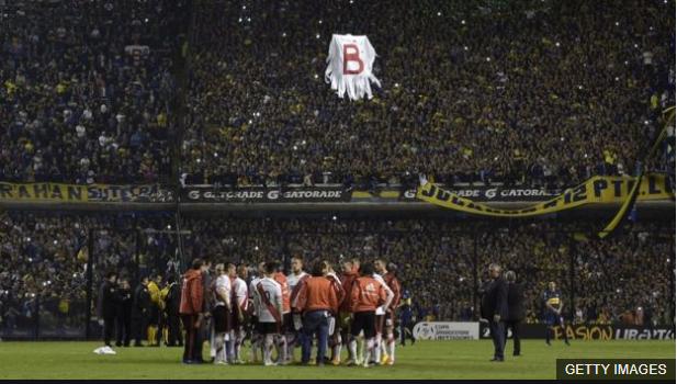 Perú espera que en la Bombonera vuelva a aparecer un fantasma. (Foto Prensa Libre: BBC Mundo)