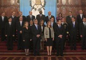 En el Salón Banderas, del Palacio Nacional de la Cultura, se juramenta a los 14 ministros de Estado. (Foto Prensa Libre: Edwin Bercian)