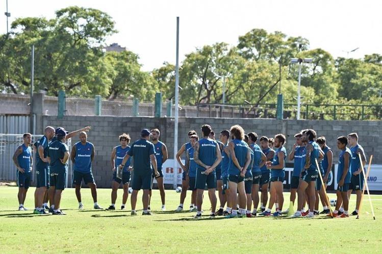 Pese a la postergación del partido, los jugadores de San Lorenzo se entrenaron este viernes. (Foto Prensa Libre: Twitter San Lorenzo)