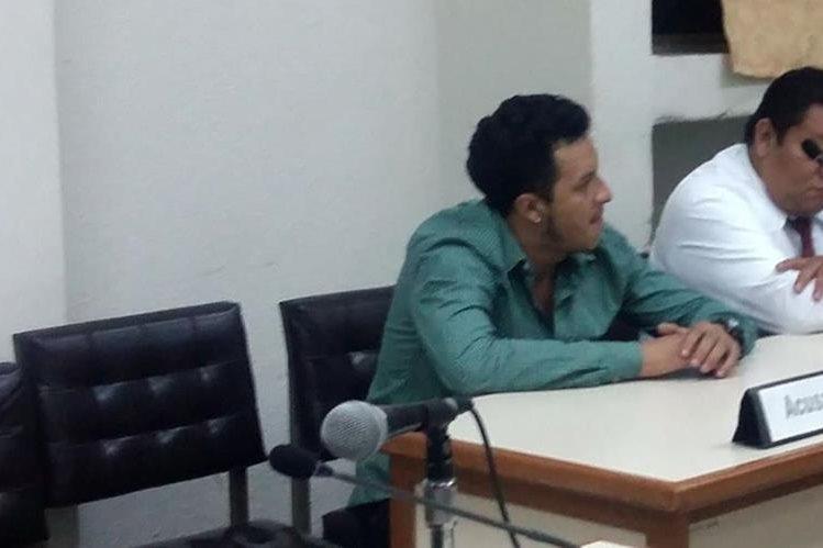 Hilbert Alonzo Hernández escucha le sentencia en su contra que emitió el Tribunal de Sentencia de Jalapa. (Foto Prensa Libre: Hemeroteca PL).