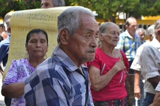 Los expac reclaman pago por los servicios de autodefensa civil que prestaron durante el conflicto armado interno. (Foto Prensa Libre: Mario Morales)