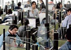 La ley Emergente de Empleo da beneficios al sector de vestuario y a centros de llamadas. (Foto Prensa Libre: Hemeroteca PL)
