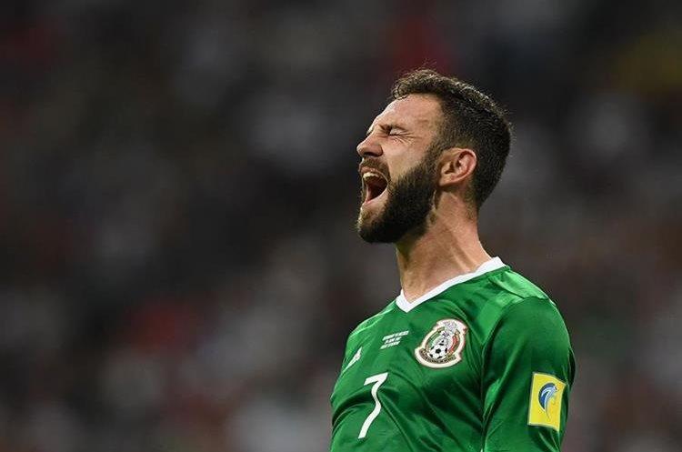 Miguel Layún muestra su frustración durante el partido contra Alemania. (Foto Prensa Libre: AFP)