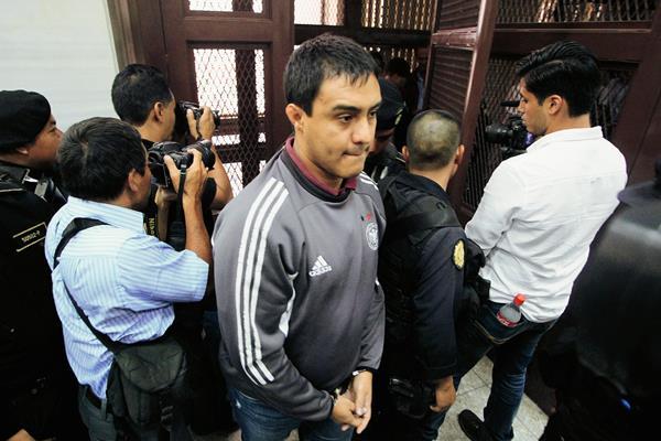 Otto Molina Stalling, hijo de la magistrada Blanca Stalling, detenido por el Caso IGSS-Pisa. (Foto Prensa Libre: Edwin Bercián)