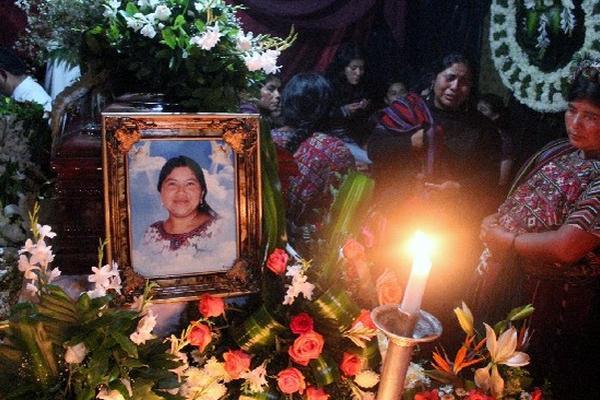 <p>Los restos de la diputada Catarina Pastor serán inhumanos hoy, a las 10 horas, en el Cementerio General de Nebaj, Quiché.</p>