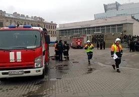 Estación del metro de San Petersburgo, Rusia, en la una explosión dejó 10 muertos. (Foto Prensa Libre: AFP)
