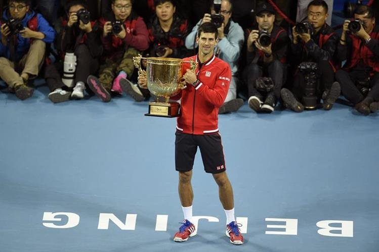 Djokovic dio un golpe de autoridad ante Nadal. (Foto Prensa Libre: AFP)