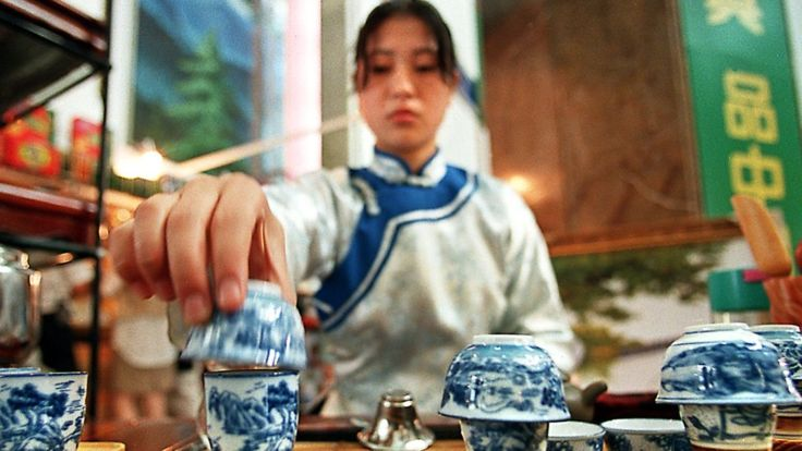 En China tienen miles de años bebiendo té. AFP