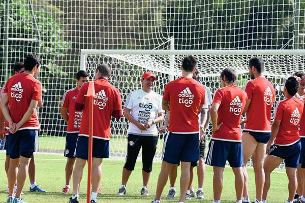 Paraguay está obligado a hacer un buen papel en la Copa América. (Foto Prensa Libre: AFP)