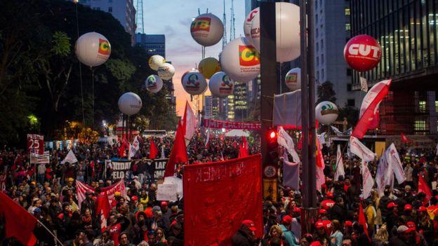 El Partido de los Trabajadores y lo seguidores de Rousseff mantienen que el juicio político es ilegítimo. (GETTY IMAGES).