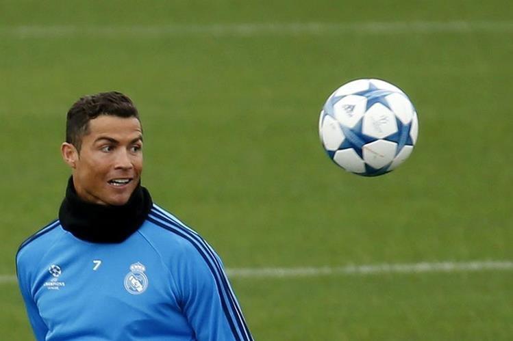 Cristiano Ronaldo es un verdadero peligro para el Sevilla. (Foto Prensa Libre: AP)