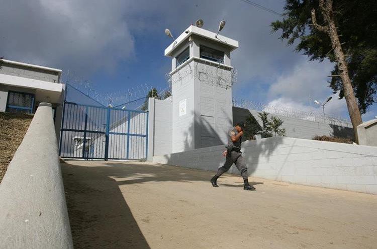 Centro de Detención para Hombres Fraijanes II. La población reclusa son pandilleros de la Mara Salvatrucha. (Foto Prensa Libre: Hemeroteca PL)
