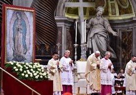 El Papa celebró una misa en honor de la Virgen de Guadalupe.