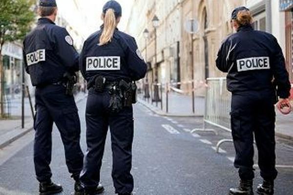 <p>El joven fue detenido por un policía y ante el tribunal negó, que se tratara de un homenaje a Bin Laden.</p>