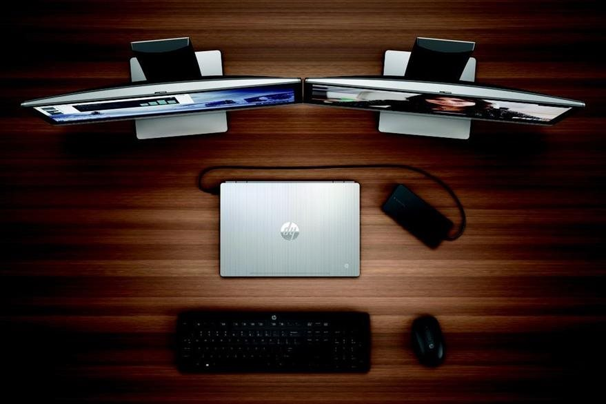 la Chromebook  13 se puede conectar a dos pantallas  y otros aparatos a través de una base adicional. (Foto: Hemeroteca PL).