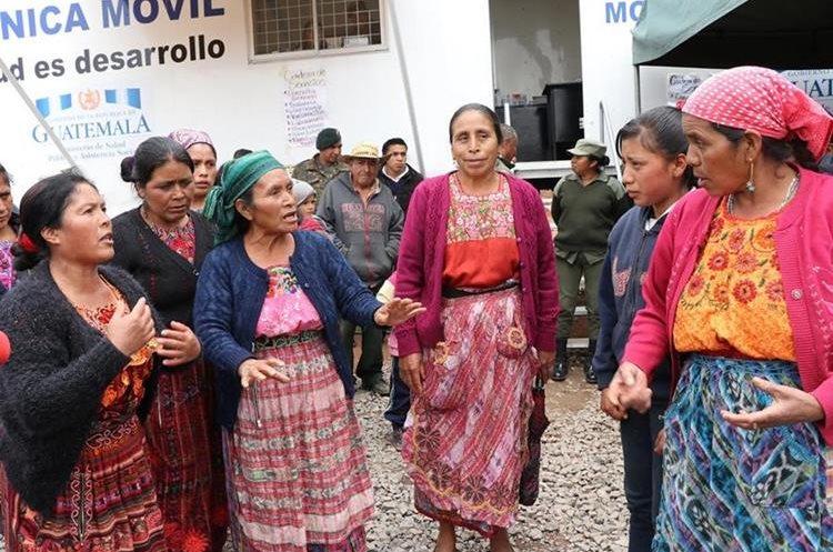 Un grupo de mujeres de Ixchiguàn y Tajumulco protagonizaron un conato por la disputa de los nacimientos de agua. (Foto Prensa Libre: Whitmer Barrera)