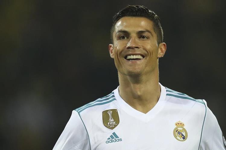 El portugués Cristiano Ronaldo llegó a 110 goles en la Liga de Campeones de Europa, gracias al doblete que le anotó al Borussia Dortmund. (Foto Prensa Libre: AP)