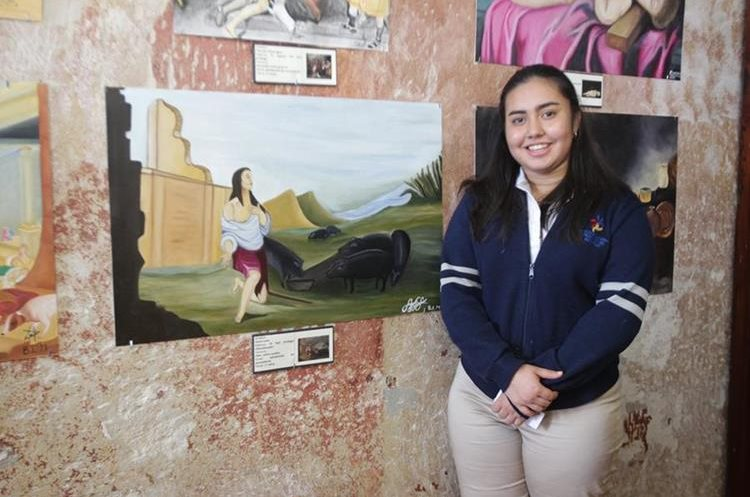 Sara Lara (17)  se le asignó una pieza que tuviera más paisaje por su predilección por este tipo de pintura. Ella entró a la convocatoria por gusto propio. (Foto Prensa Libre: Anna Lucía Ibarra).