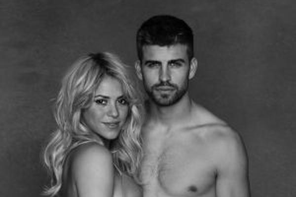 <p>Shakira y Piqué muestran embarazo. (Foto Prensa Libre: Jaume de Laiguana)</p>