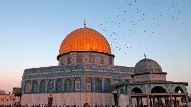 El Domo de la Roca, en el complejo de la mezquita de Al Aqsa, es el tercer lugar más sagrado para los musulmanes. GETTY IMAGES