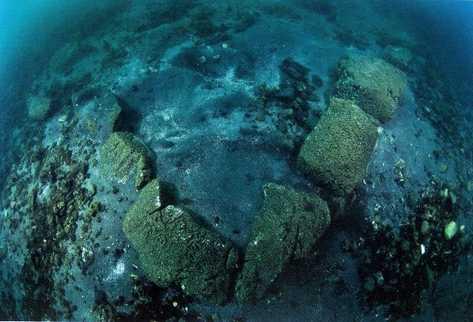 esquina de estructura donde se observa la alineación de las piedras de similares dimensiones.