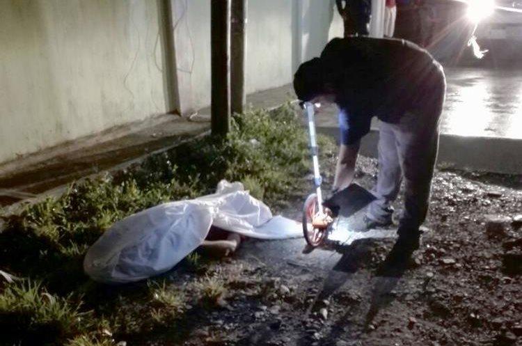 Un hombre murió a balazos en Izabal.(Prensa Libre: Dony Stewart)
