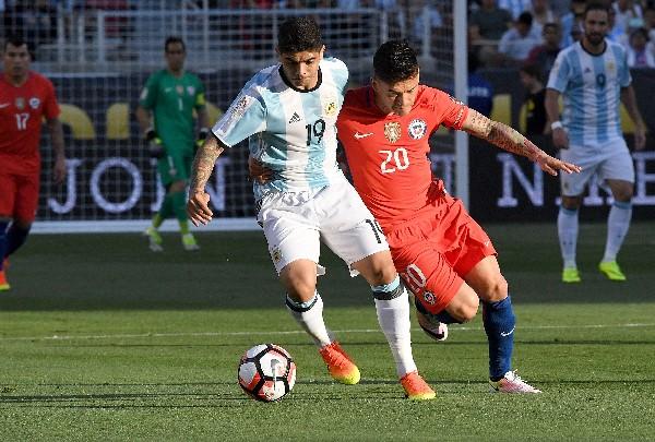 Éver Banega, seleccionado de Argentina, aseguró que el equipo tiene la ilusión de coronarse. (Foto Prensa Libre:EFE).