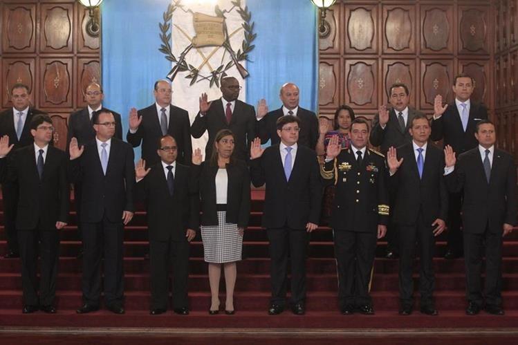 Qui nes son los ministros de jimmy morales for Ministros del gobierno