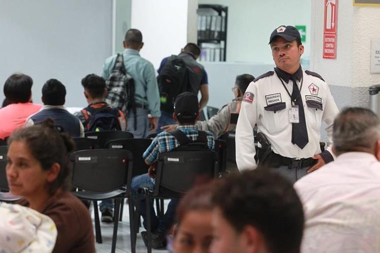 ¿PNC o un cuerpo de seguridad propio? el Renap evalúa las dos posibilidades. (Foto: Hemeroteca PL)