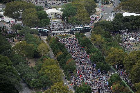 Más de un millón de personas se congregaron en Filadelfia para escuchar al papa Francisco. (Foto: Youtube)