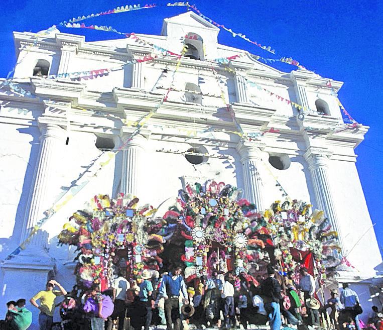 Iglesia de Santo Tomás, Chichicastenango, donde Ximénez habría encontrado el manuscrito del Popol Vuh. (Foto: Hemeroteca PL)