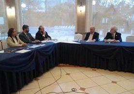 Reunión de empresarios y delegados de CIDH. (Foto Prensa Libre: Cacif)