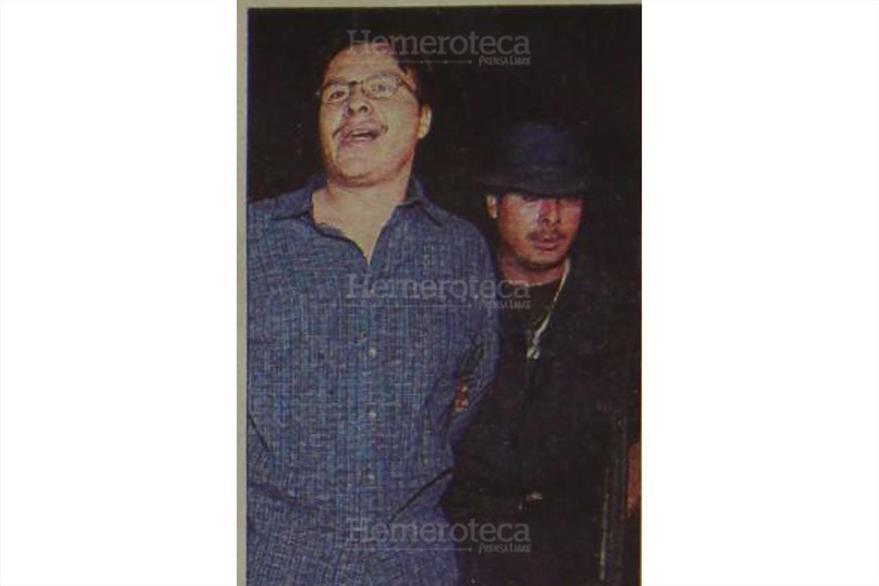 28/7/2000 Julio René lboy Ramírez, miembro de la banda Los  Gay es recapturado por las fuerzas de seguridad. (Foto: Hemeroteca PL)