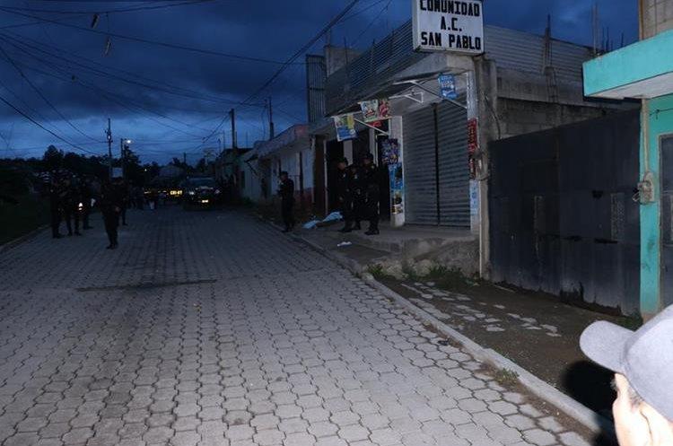 Pobladores solicitan a las autoridades que brinden más seguridad. (Foto Prensa Libre: Víctor Chamalé)