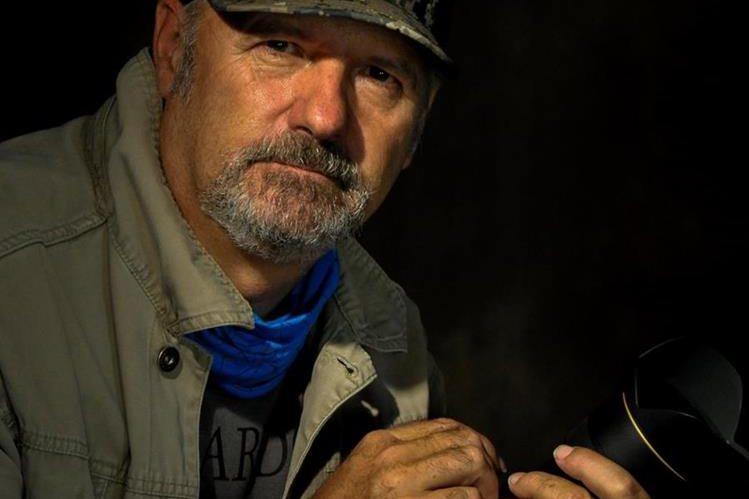 El fotógrafo Mario Cattelan llegó por primera vez a Guatemala en la década de 1980.